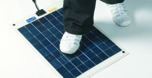 """Flexi-PV napelem és a """"mechanikai hatás"""", illusztráció - Hordozható, nagyteljesítményű Napelemes töltők"""