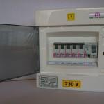 5db kisautomatát és 1 db áramvédő-kapcsoló tartalmató ETIDO lakáselosztó minőségi tanúsítvánnyal