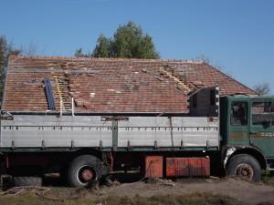 Az épület tetőfelújítása a napelemekhez igazodott