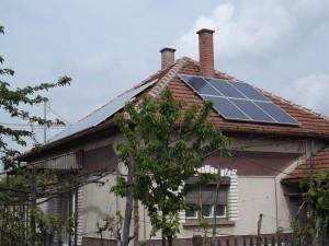Majd' 80 éves ügyfelünk nyitott az újdonságok felé - inverteres klímáit napelemmel támogatja
