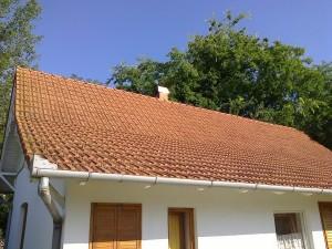 A fogyasztás napelemes kiváltására kinézett tető