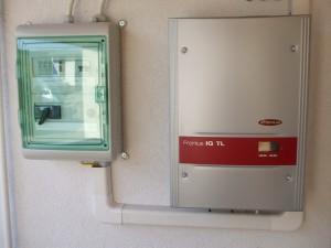 ELTSZER Kft., Kiskunfélegyháza - telephelyi, saját 3 kW-os napelemes rendszerünk - inverter
