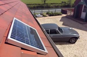 Solar Mate 10W-os Napelemes világítás, alkalmazási példa - tetőre szerelve